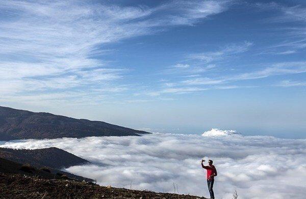 جاذبه های گردشگری عباس آباد؛ از متل قو تا غار دانیال