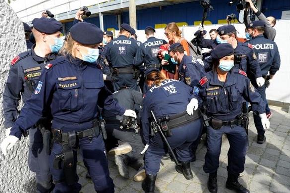 دستگیری 100 نفر از معرضان به قرنطینه در آلمان و اتریش