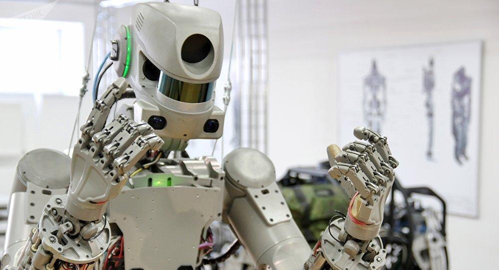 روبات ها به خدمت ارتش درمی آیند ، از تشخیص یک دقیقه ای ویروس کرونا تا بسته شدن لایه اوزون