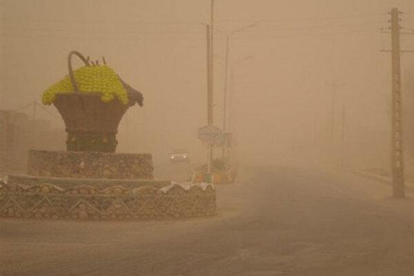 وزش باد با سرعت 101 کیلومتر بر ساعت در زابل ، کاهش شعاع دید افقی