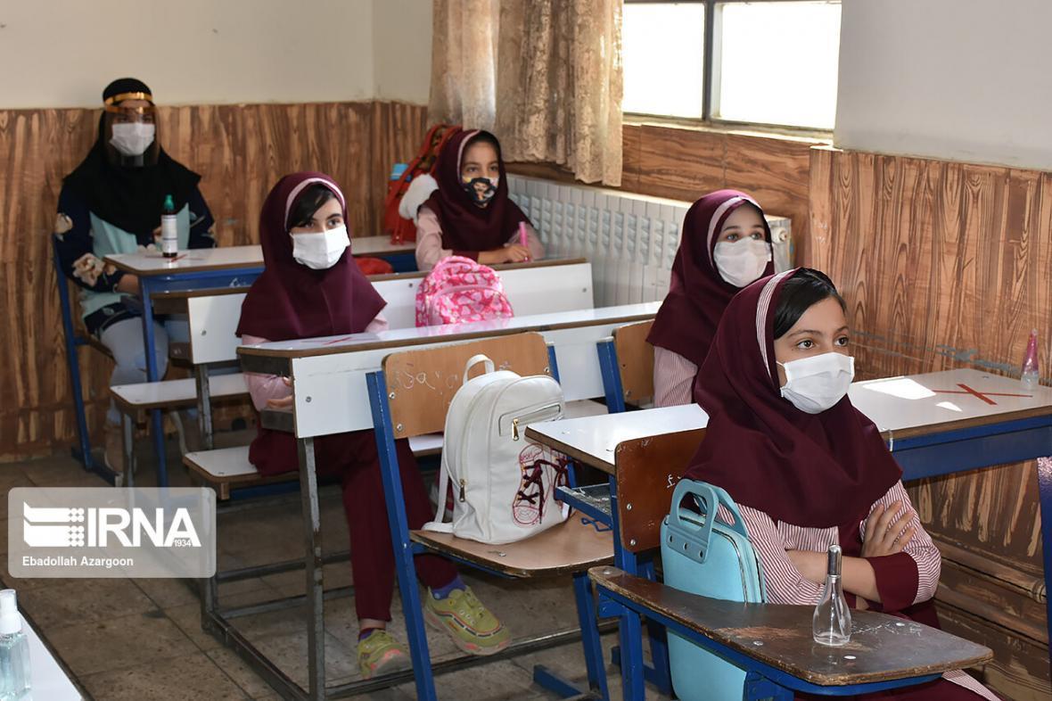 خبرنگاران اقدامات مقابله ای با کرونا در مدارس و نگرانی خانواده ها