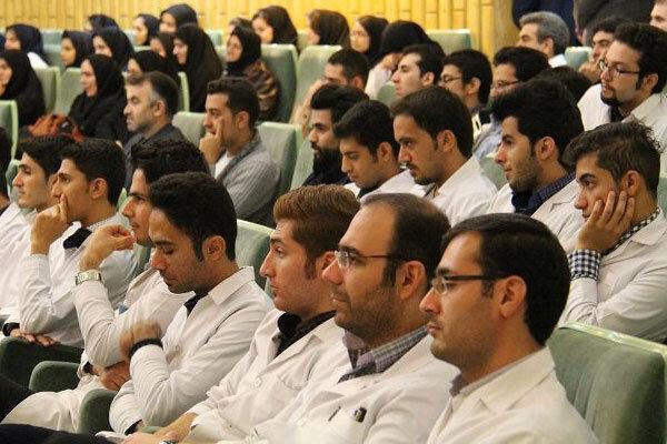 300 هیئت علمی جدید در دانشگاه های علوم پزشکی کم برخوردار جذب می شوند