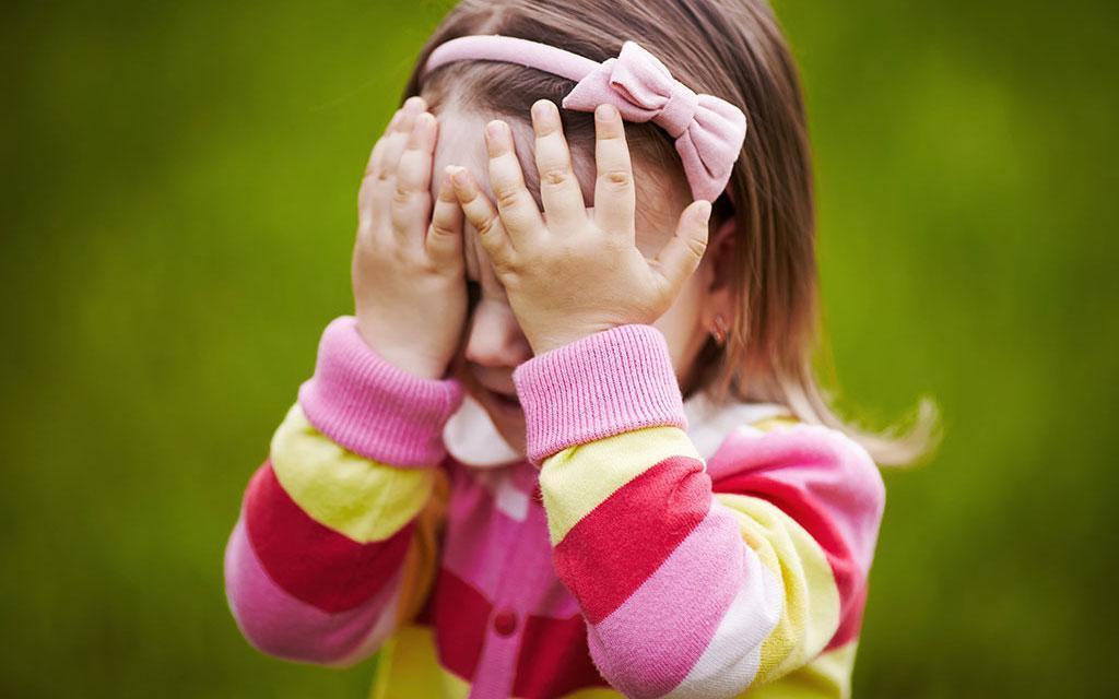 والدین از برچسب زدن خجالتی خودداری کنند
