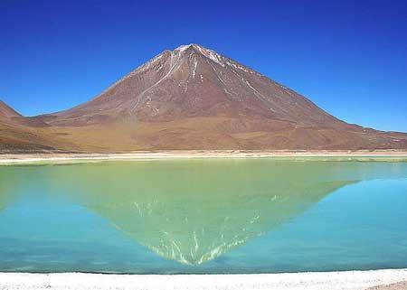 13 دریاچه رنگارنگ ایران و دنیا