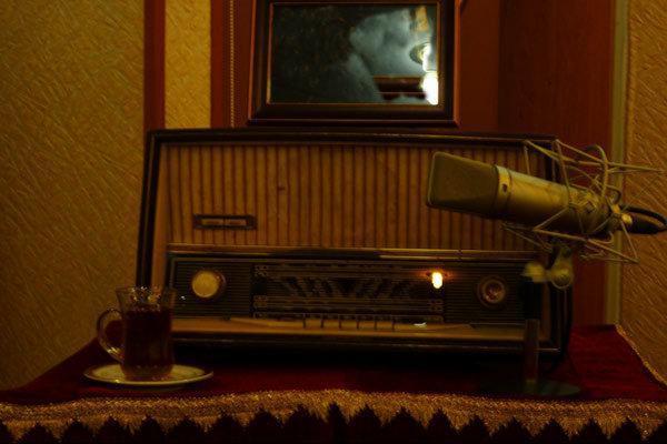 تحلیل آثار روزنامه نگار طنزپرداز آمریکایی در رادیو نمایش