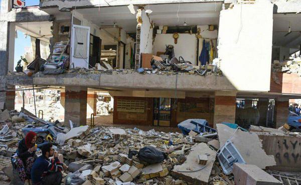 اسکان اضطراری 120 زلزله زده ، برپایی 30 دستگاه چادر امدادی و توزیع 160 تخته پتو