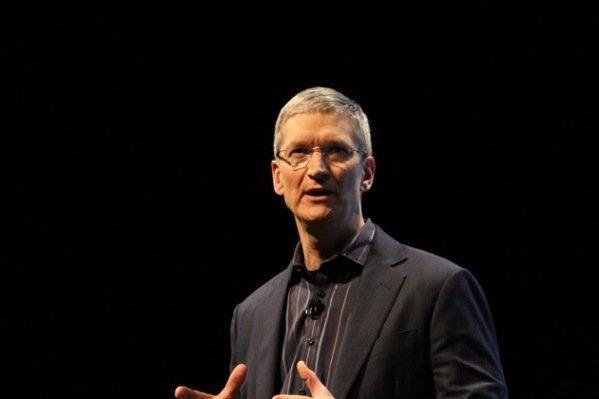 مدیر ارشد اپل از شبکه های اجتماعی انتقاد کرد