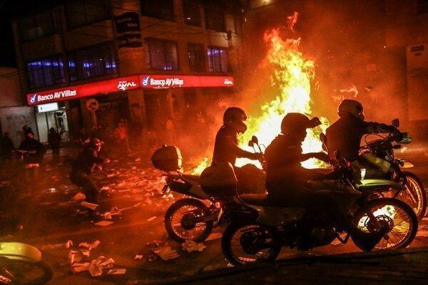کشته شدن دستکم 13 نفز از معترضین کلمبیایی در جریان تظاهرات