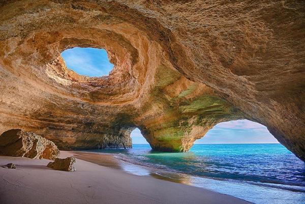 چند مورد از سواحل خیره کننده پرتغال