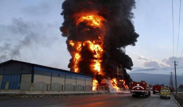 انفجار و آتش سوزی گسترده در کارخانه تاژ، حریق مهار شد