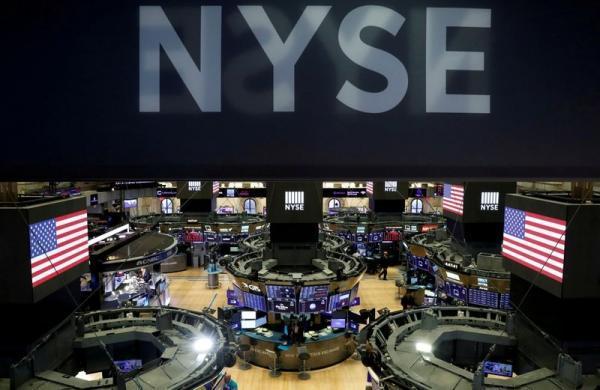 رشد NASDAQ در مقابل افت S&ampampampP 500